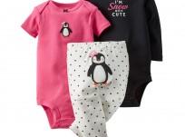מארז בגד גוף ארוך, בגד גוף קצר ומכנסיים של Carter's במידת NB – פינגווינית מפזזת