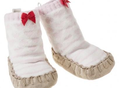 נעלי מגף לתינוקת של Carter's – לבבות