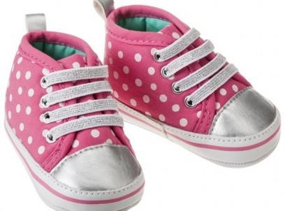 נעלי סניקרס לתינוקת של Carter's – ורוד נקודות