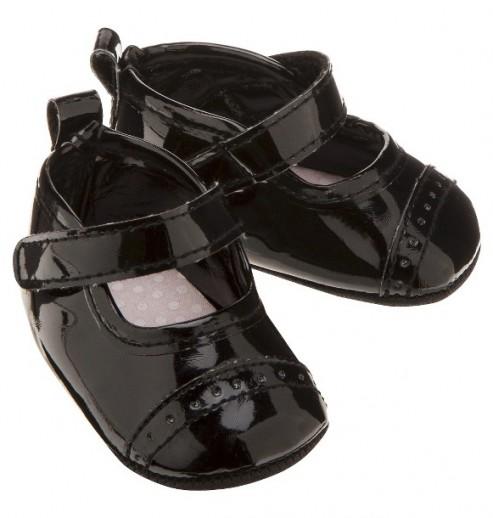 נעליים לתינוקת במידת Newborn של Carter's – בובה לקה