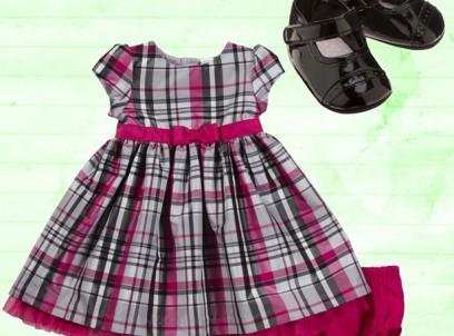 מארז מתנה לתינוקת שמלת משבצות ונעלי לקה במידת NB של Carter's