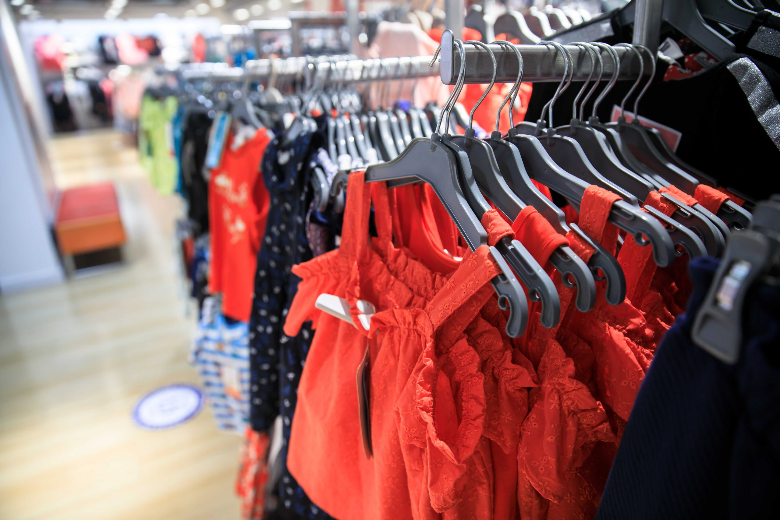 בדים לבגדי תינוקות המומלצים לפי העונה